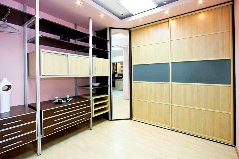 Jasno fioletowe szafy na wymiar