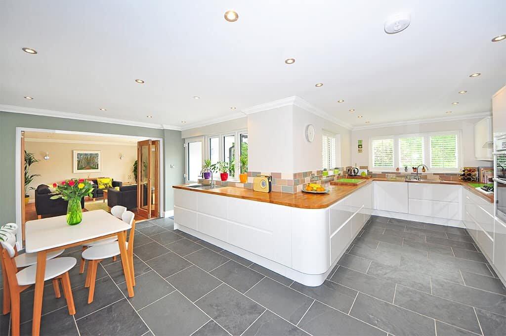 dzrwi przesuwne można stosować w kuchni jak i w każdym pomieszczeniu