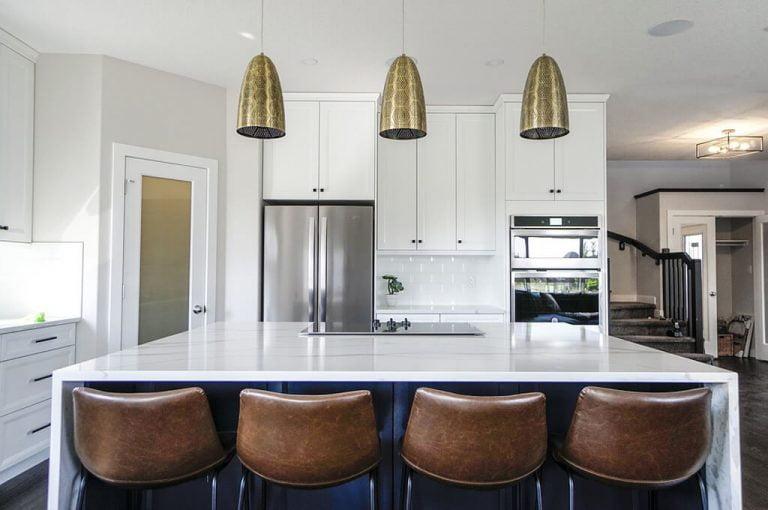 Read more about the article Kilka wskazówek, dzięki którym dowiesz się, jak powiększyć i rozjaśnić ciemne wnętrze swojego domu.